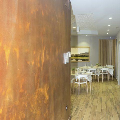 Detalle entrada a nuestro restaurante
